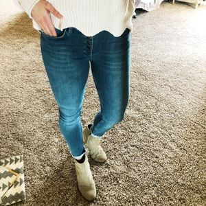 Free People Highwaisted Button Up Jeans 27